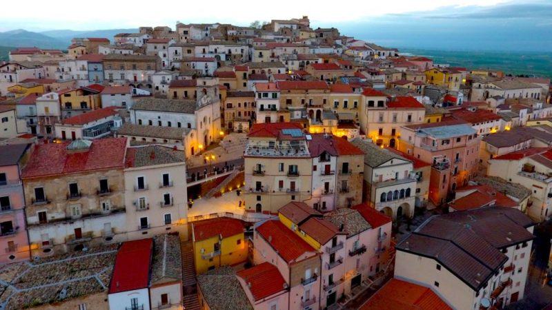 Гратче во Италија со неодолива понуда: 2000 евра за …