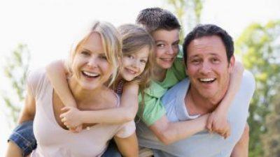 Колку често ги гушкате вашите деца?