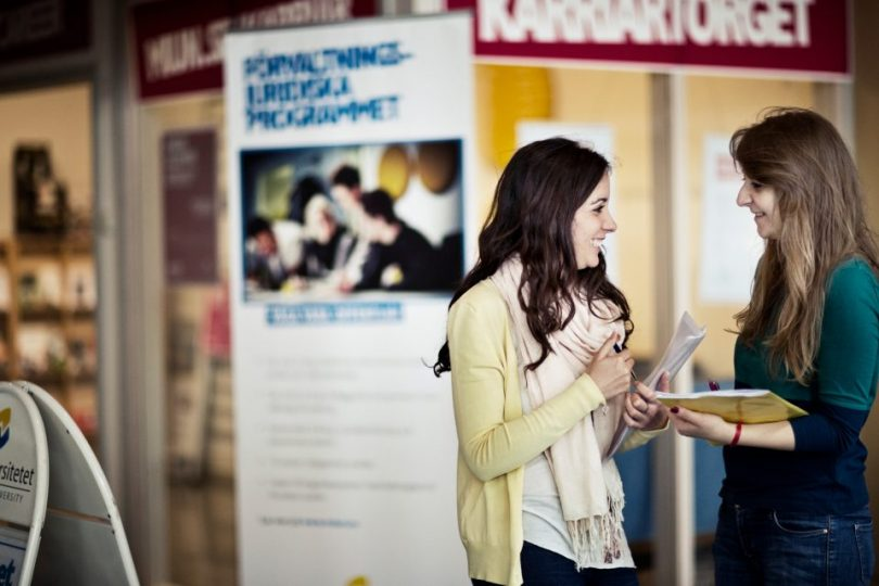 SI-Scholarship.jpg