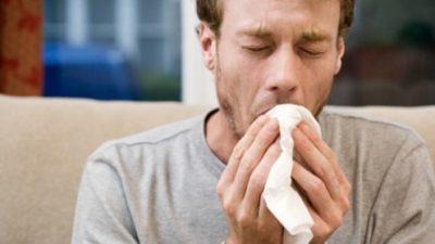 Препознајте ја разликата помеѓу кашлица и воспаление на белите дробови