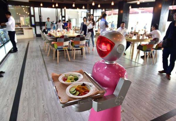 20170105-kompanijata-koja-e-snabduvach-na-apple-kje-gi-zamenuva-rabotnicite-so-roboti-m.jpg
