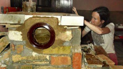 Направете си сами ракетна печка која го грее целиот дом, а чини помалку од 100 евра