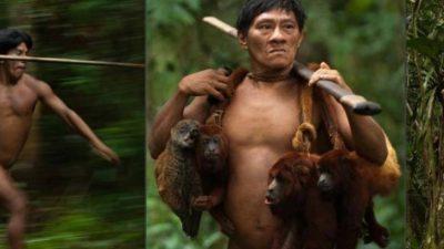 ФОТО+18: Одалечено племе јаде само мајмуни и има шест прсти на нозете