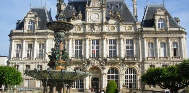 Excellence-Scholarships-for-International-Students-University-of-Limoges-in-France.jpg