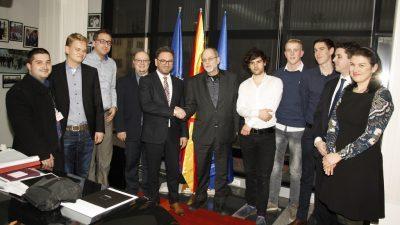 """Студенти од Холандија ќе ги продаваат производите на """"Витаминка"""" во нивната земја"""