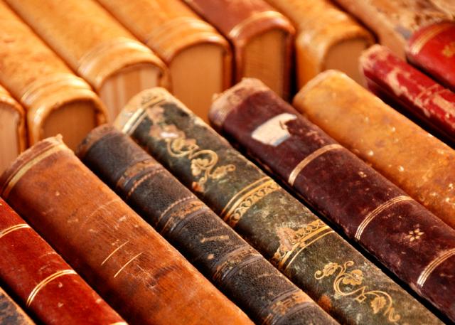 Secondhand-Bookshop-Noosaville-Book-image-640x457.png