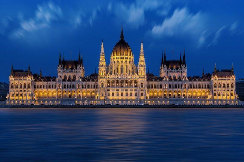 Stipendium-Hungaricum-Scholarship-E-tv-s-Lor-nd-University-ELTE-Budapest-Hungary.jpg