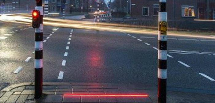 lichlin-traffic-lights-pedestrians-701x336.jpg