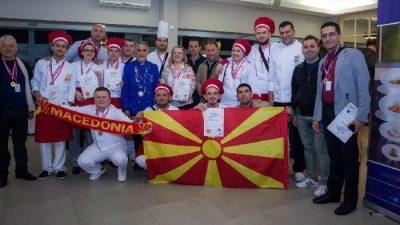 Студенти од ФТБЛ со сребрени и бронзени медали на кулинарски фестивал во Хрватска