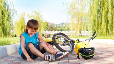Нов ЕУ закон за сообраќај ! Казни за родителот ако детето падне !