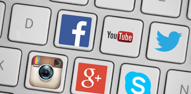 Internship-Communication-and-Social-Media.png