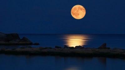 Како полната месечина влијае на нашата потсвест!?