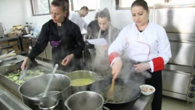 Проект за традиционални македонски јадења на ФТБЛ