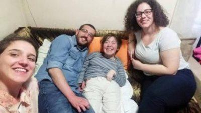 Матурантка од Неготино го продава својот роман за помош на болната другарка