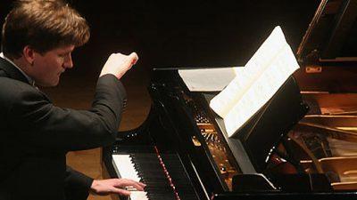 Концерт на Македонската филхармонија со пијанистот Оли Мустонен