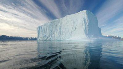 Арапите го решаваат својот најголем проблем со санти мраз од Антарктикот