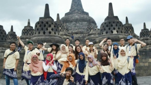 International-Pharmacy-Summer-School-in-Indonesia.jpg