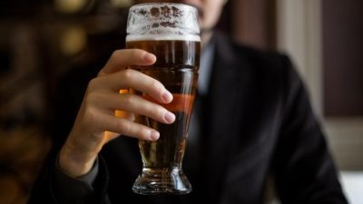 Што се случува со вашето тело ако пиете пиво секој ден?