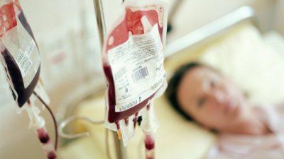 Компанијата на луѓето кои се помлади од 25 години им дава по речиси 8.000 долари за трансфузија на крв