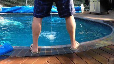 Ќе се изненадите кога ќе прочитате колку урина има во еден базен
