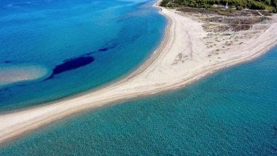 Грчка плажа која никогаш не е иста: Дали сте имале прилика да ја посетите?