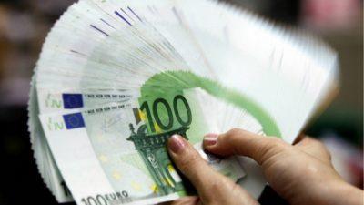 Државата им купува работа за 1300 евра
