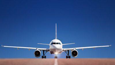 Зошто авионите претежно се фарбаат со бела боја?