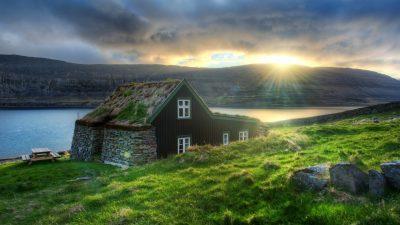 Исповед на Балканец кој заминал да работи во Исланд