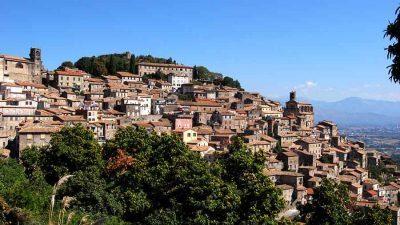 Се продаваат куќи по цена од едно евро