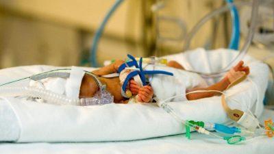 И извадиле мртво бебе од стомакот, а потоа следувало чудо кое ги шокирало лекарите, па и светот