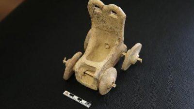 Играчка стара 5.000 години откриена е на детски гробишта