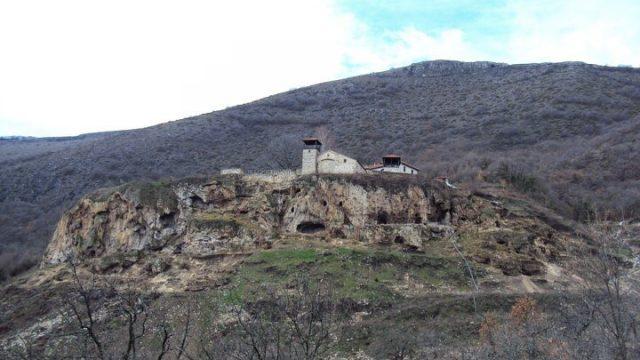 manastir-zrze.jpg