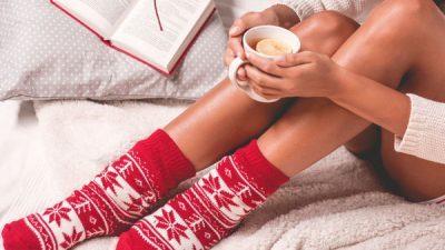 Спиењето со чорапи има позитивни ефекти за целото тело