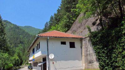(Видео) Би-би-си во бункерот на Тито: Обична босанска куќа ја крие најголемата тајна на Студената војна