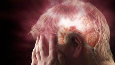Мозочниот удар се почесто ги погодува младите – Ова се симптомите на кои треба да внимавате