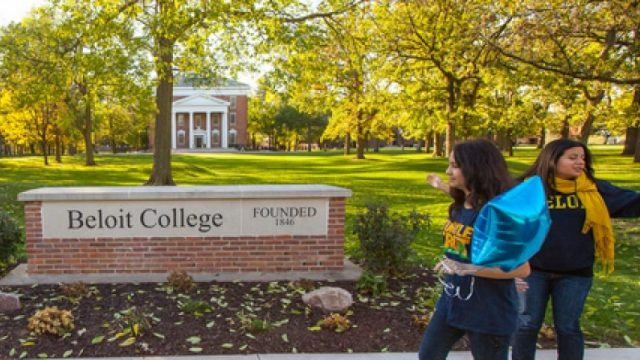 Full-Tuition-Scholarships-for-International-Students.jpg