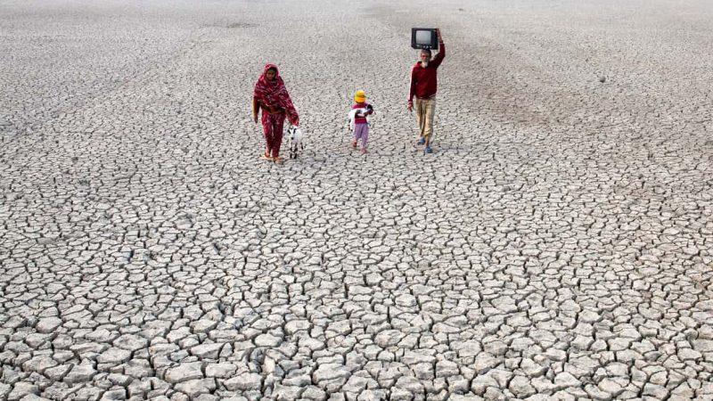 """До 2050 година може да има 143 милиони """"климатски …"""