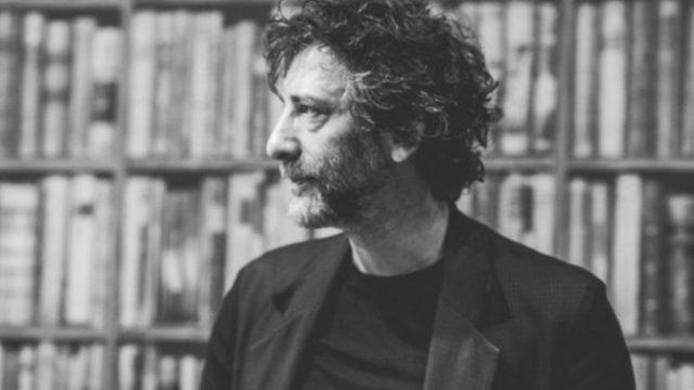 Neil-Gaiman-Books-1024x683-670x447.jpg