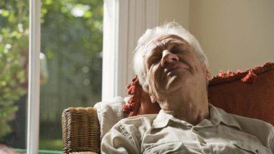 Потребата за спиење во текот на денот може да биде знак за Алцхајмерова болест