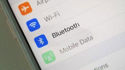 Што прави вашиот iPhone кога е вклучен Bluetooth?