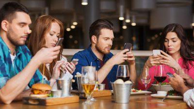 Зошто сте зависни од смартфони?