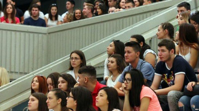 На летна работа во странство околу 5.000 македонски студенти