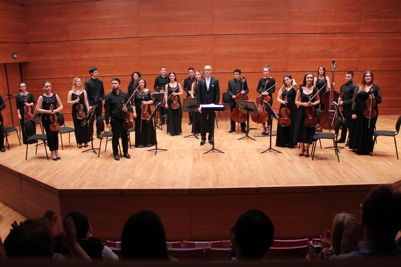 Odrzan-koncert-na-Kamernot-orkestar-Solisti-na-FMU-.jpg