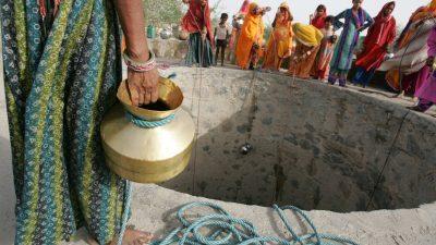 Во Индија има 600 милиони луѓе кои се соочуваат со недостиг од вода за пиење