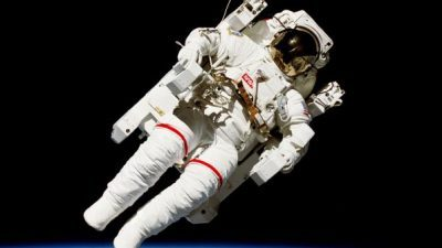 НАСА бара помош за да се ослободи од отпадот на астронаутите