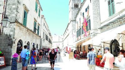 Кој би поверувал: Србите им го спасија туризмот на Хрватите и добро заработија