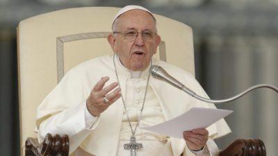 Папата стана е-жител на Естонија