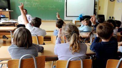 Албанија: Денеска почна новата учебна година со 23.000 основци помалку од лани