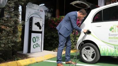 ЕВН постави над 40 станици за полнење на електрични возила во 17 градови низ Македонија