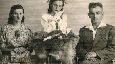 Зошто луѓето во минатото не се насмевнувале на фотографиите?